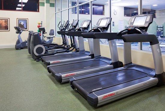 Wauwatosa, Ουισκόνσιν: 24 hour Fitness Center- Crowne Plaza Milwaukee West