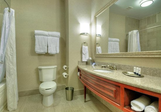 Somerset, NJ: Studio Bathroom