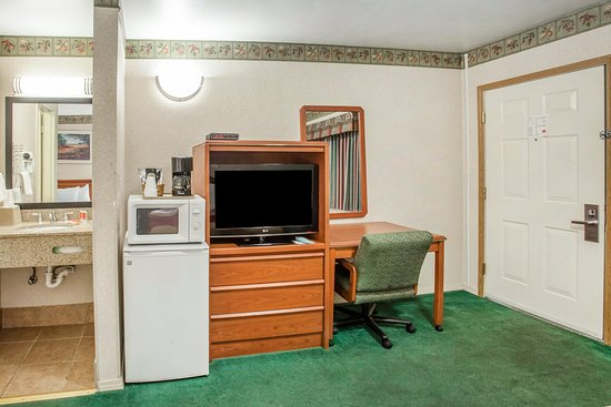 Econo Lodge Vancouver: Guest Room