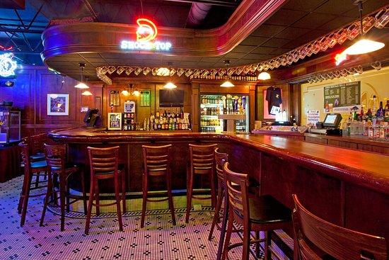 Holiday Inn Buffalo International Airport: Restaurant - Max's Classic American Grill