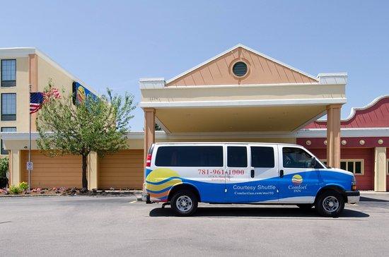 Comfort Inn Randolph: Airport Shuttle
