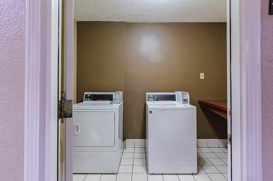 Comfort Inn Randolph: Laundry