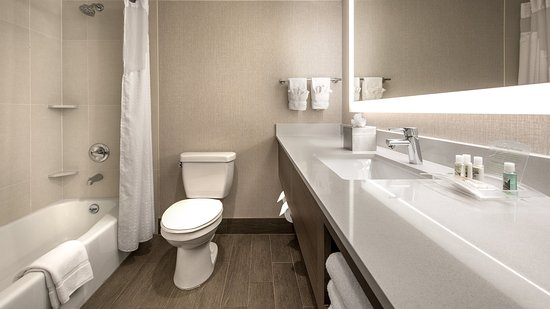 Lakewood, CO: Newly Renovated Bathrooms - Double-Queen