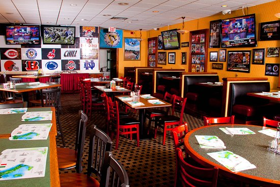 Weirton, WV: Hot Food, Cold Drinks at The Sport's Bar-Lunch and Dinner Daily