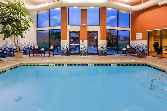 Holiday Inn Express Roseburg: Swimming Pool