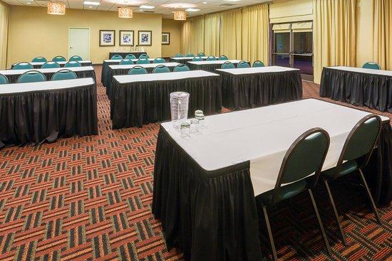 Roseburg, OR: 1550 square ft Meeting Space