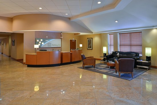 Holiday Inn Martinsburg: Take a seat in our lobby to use free WiFi