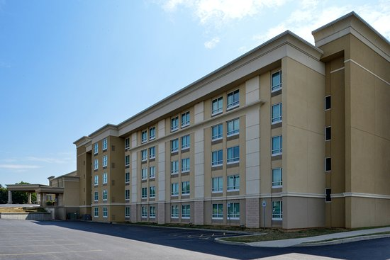 Holiday Inn Martinsburg: Enjoy our hotel in Martinsburg WV.