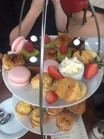 Wineport Lodge: afternoon tea