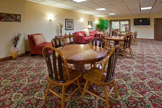 Rothschild, WI : Hotel Lobby