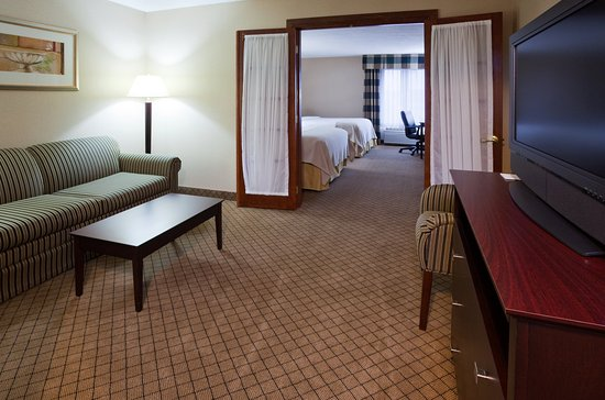 Holiday Inn Hotel & Suites Wausau-Rothschild: Guest Room