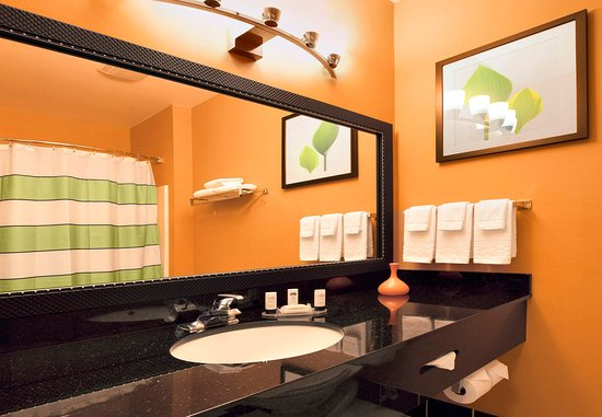 Sebastopol, Californie : Suite Bathroom Vanity