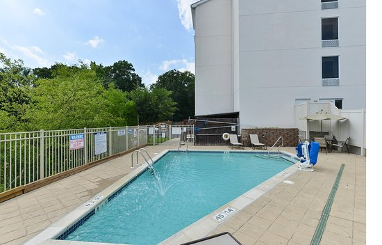 Seaford, DE: Swimming Pool