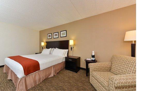 Seaford, DE: King Bed
