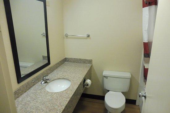 Cortland, Estado de Nueva York: Bathroom