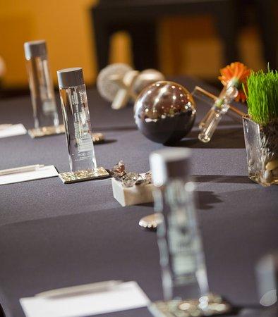 Iselin, Nueva Jersey: Successful Meetings