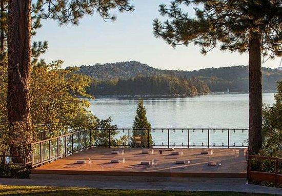 Lake Arrowhead, Californien: Yoga