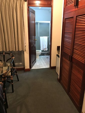 Suites Reforma Apart Hotel: Very well located but a bit noisy it stands on the Reforma Ave. which is located downtown it's a