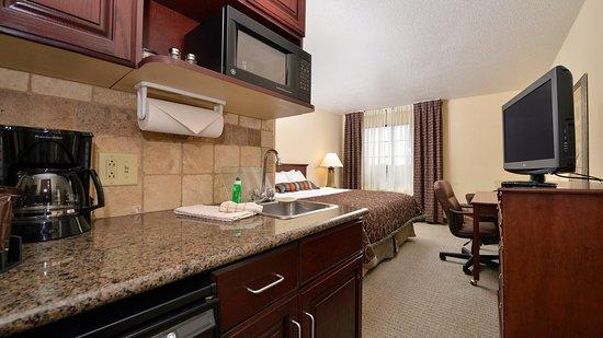 West Des Moines, IA: Single Bed Guest Room
