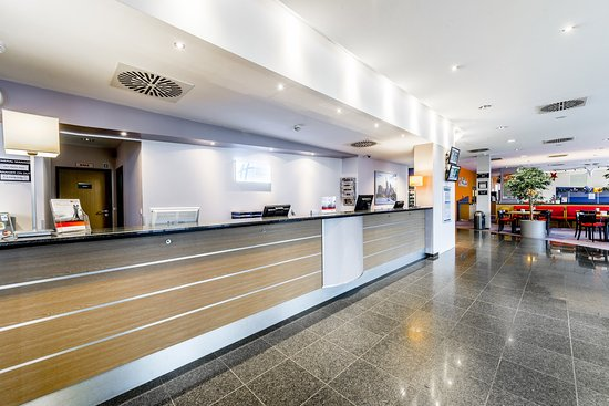 Morfelden-Walldorf, Germania: We are ready for you at the front desk