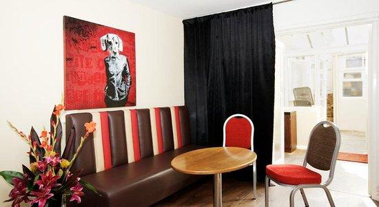 New Steine Hotel: Sitting area