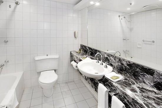Bayview Eden Melbourne: Bathroom