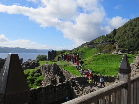 Drumnadrochit, UK: Too many tourists