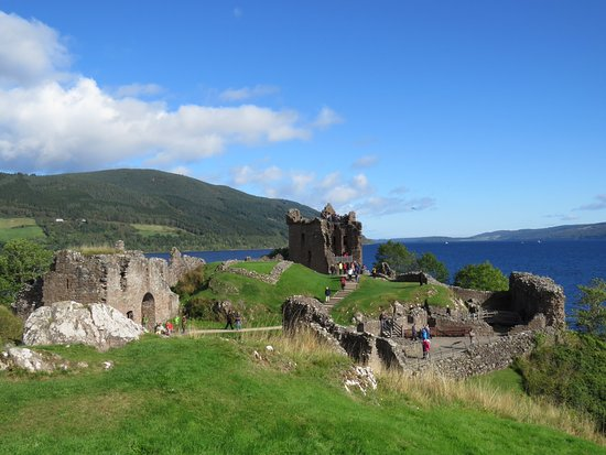 Drumnadrochit, UK: The castle ruins