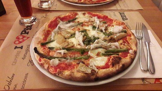 Pontassieve, Italien: Pizza con asparagi
