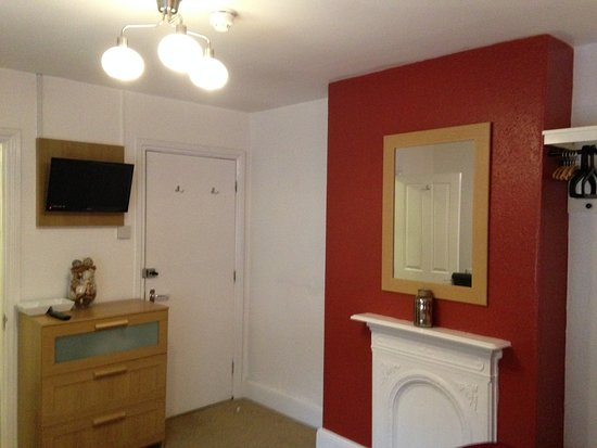 Keynsham, UK : Standard Twin / Double Room