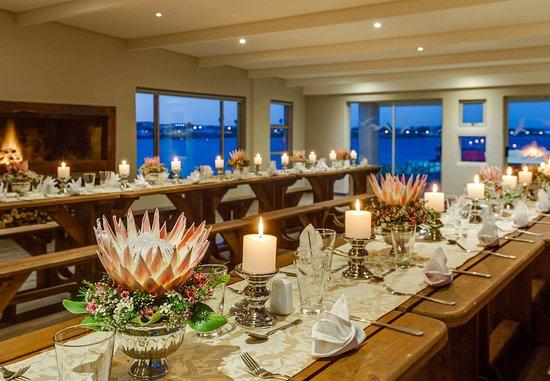 Saldanha, Южная Африка: Titanic Room - Dining Details