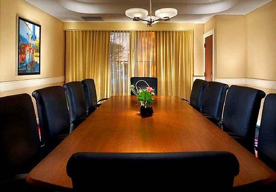 Collierville, TN: Executive Boardroom
