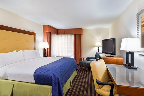 Sandston, Wirginia: King Bed Guest Room