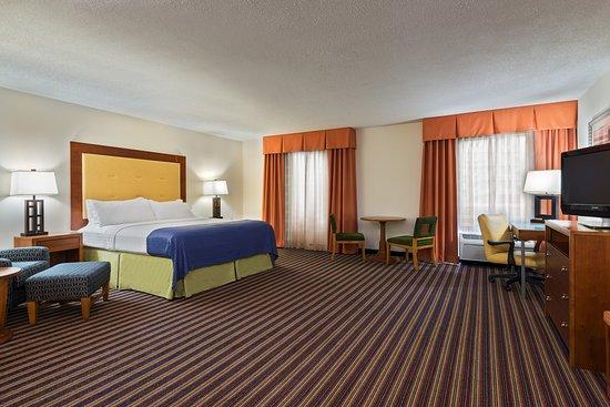 Sandston, VA: ADA/Hearing accessible King Guest Room