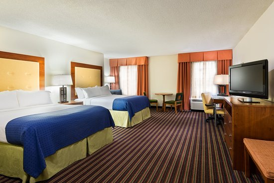 Sandston, VA: Two Queen Guest Room