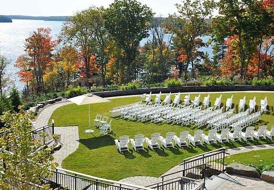 Minett, Kanada: Lakeview Lawn Wedding Ceremony