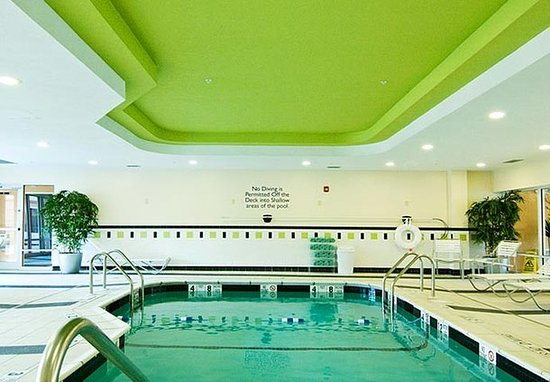 Plainville, CT: Indoor Pool