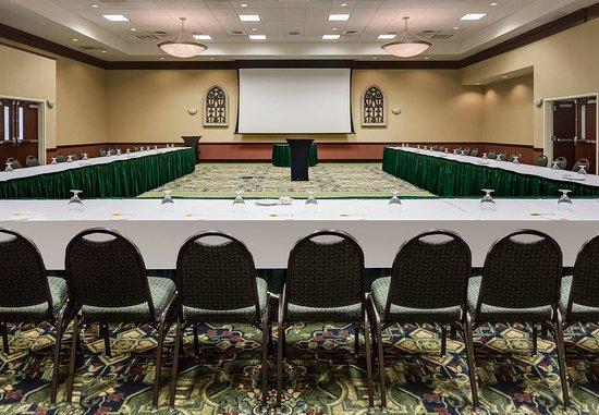 Ankeny, IA: Ballroom – U-Shape Meeting