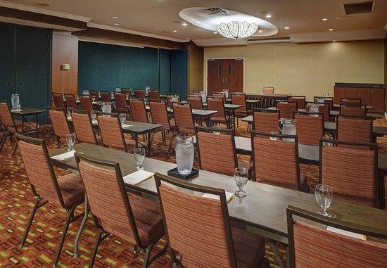 Orange Park, FL: Blanding Ballroom – Classroom Setup