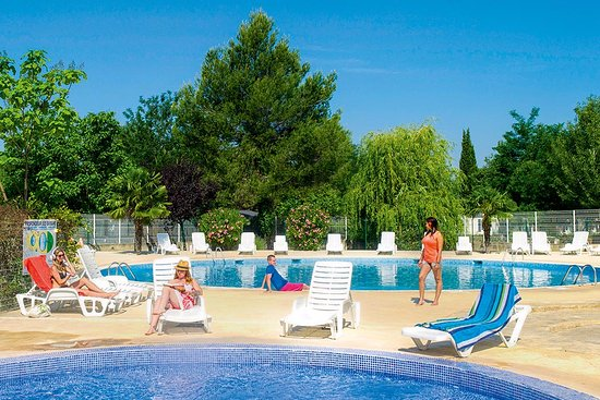 Camping Domaine des Iscles Photo