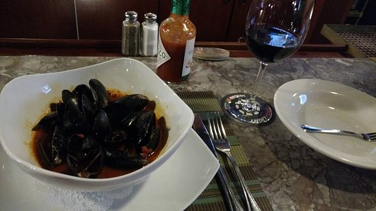 Middletown, CT: mussel appetizer