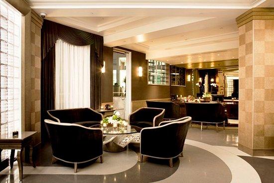 Hotel Shangri-La Santa Monica: Lobby Sitting Area