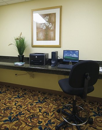 Country Inn & Suites By Carlson, Tallahassee Northwest I-10, FL: Business Center