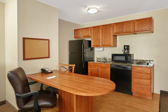 Aurora, IL: ADA/Handicapped accessible One Bedroom Suite kitchen