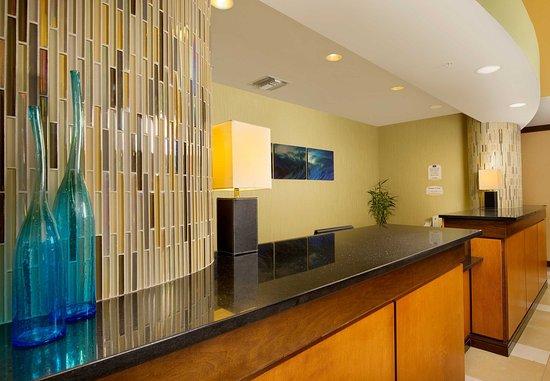 Fairfield Inn & Suites Miami Airport South: Front Desk