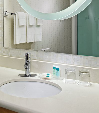 Saginaw, MI: Guest Bathroom Vanity