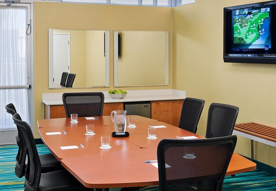 Saginaw, MI : Meeting Room
