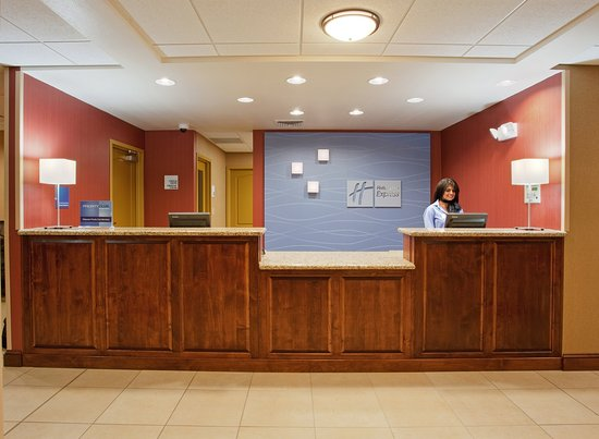 Front Desk at Holiday Inn Express Willows, California