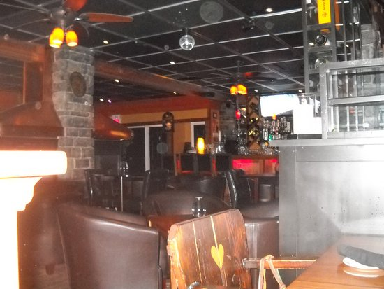 Abbotsford, Canada: Bar area. Nicer than this photo depicts!