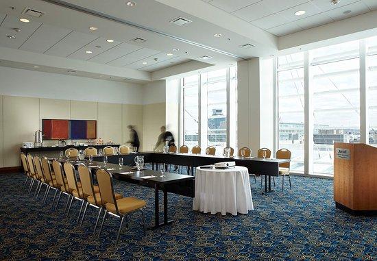 Dorval, Canada: Saphir Meeting Room
